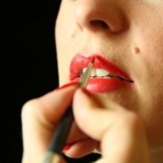 Knallrote Lippen – Eine Geschichte des Lippenstifts