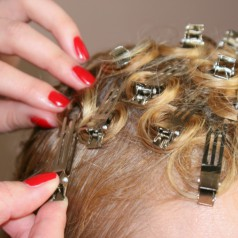 Pin Curls Anleitung – Locken mit Clips step-by-step