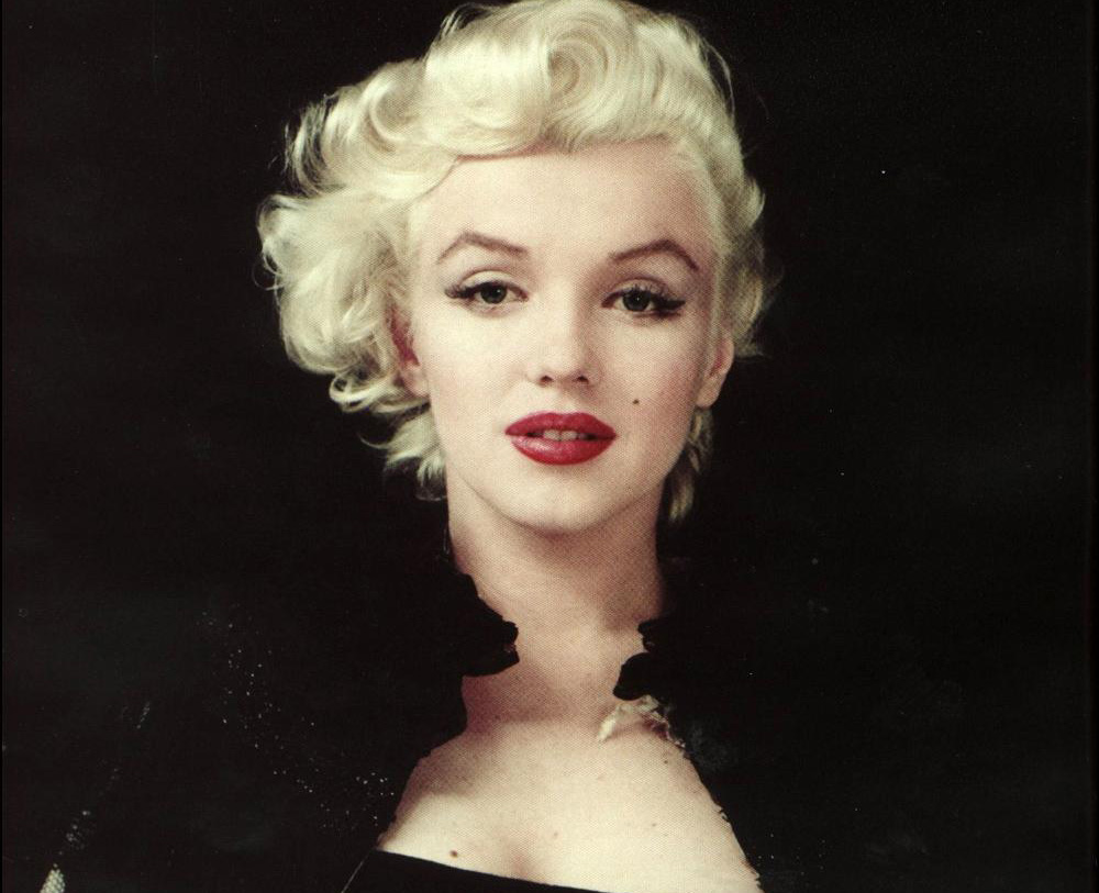 marilyn monroes look make up haare modestil retrochicks. Black Bedroom Furniture Sets. Home Design Ideas