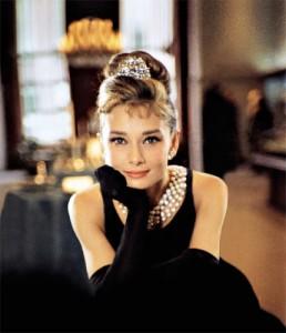 Audrey Hepburn Frisur Anleitung