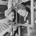 Dora Miles und Dorothy Johnson, Douglas Aircraft Co. Long Beach, Kalifornien