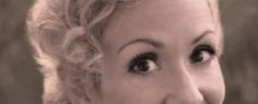 Swing Frisur Anleitung – 40er Jahre Haarstyling