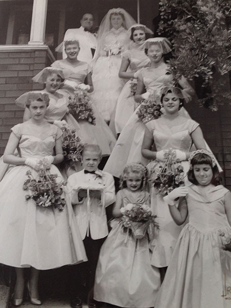 1957 Hochzeit Paar Mit Brautjungfern Retrochicks