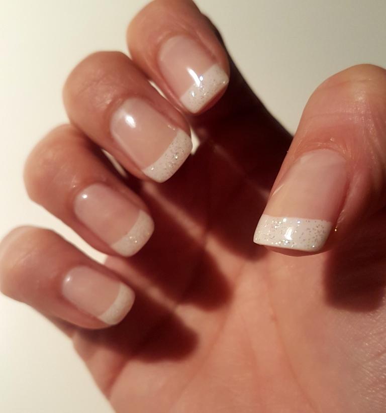 Acrylnu00e4gel French Manicure - Retrochicks