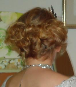20er Jahre Frisur mit Haarband nachmachen