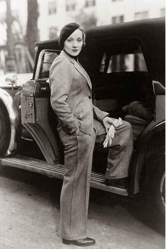 Marlene Dietrich im Herrenanzug